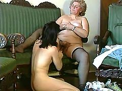 Fat mature mom gets intense licking